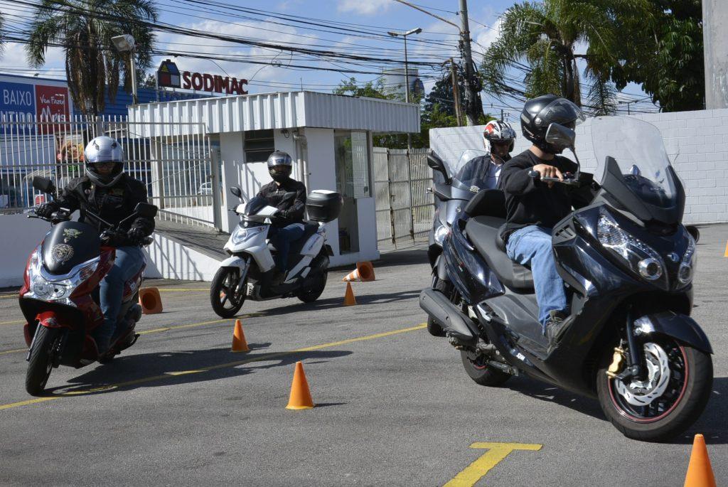 Para todos os tipos de motos, inclusive Scooter