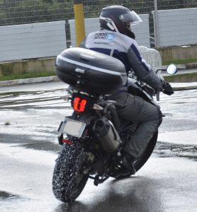 Técnicas de pilotagem na chuva