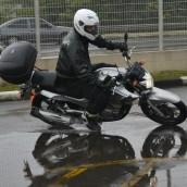 Chuva e pista molhada, nem mesmo nestas condições atrapalhou o curso. Fotos de Geórgia Zuliani