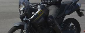 Frenagens emergenciais e suas três fases para parar a moto.